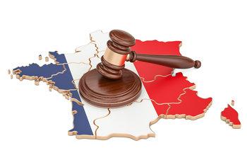 francuska mapa i cekic